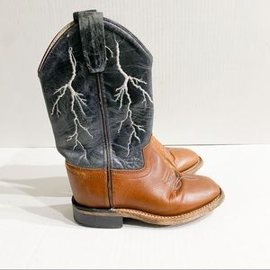 Cody James Lightening Embroidered Western Boots